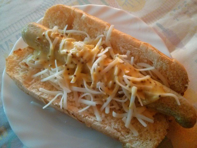 01-Hot-dog-con-salsa-de-miel-y-mostaza